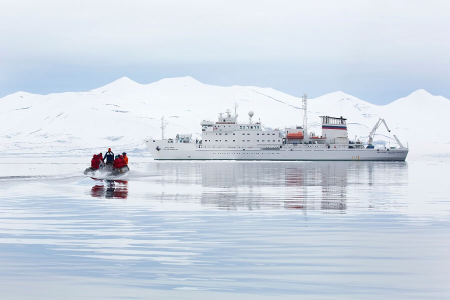Quest for the Antarctic Circle (Akademik Vavilov)
